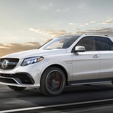 2019-Mercedes-Benz-GLE-city-highway