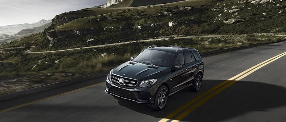 2019-Mercedes-Benz-GLE-driving-on-highway
